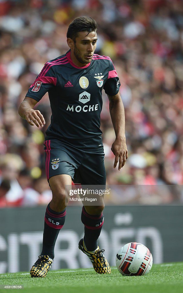 <a gi-track='captionPersonalityLinkClicked' href=/galleries/search?phrase=Eduardo+Salvio&family=editorial&specificpeople=5670924 ng-click='$event.stopPropagation()'>Eduardo Salvio</a> of Benfica in action during the Emirates Cup match between Benfica and Valencia at the Emirates Stadium on August 3, 2014 in London, England.