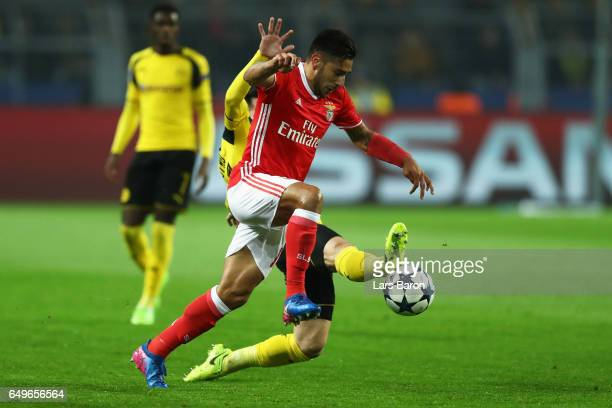 Eduardo Salvio of SL Benfica battles for the ball with Gonzalo Castro of Borussia Dortmund during the UEFA Europa League Round of 16 first leg match...