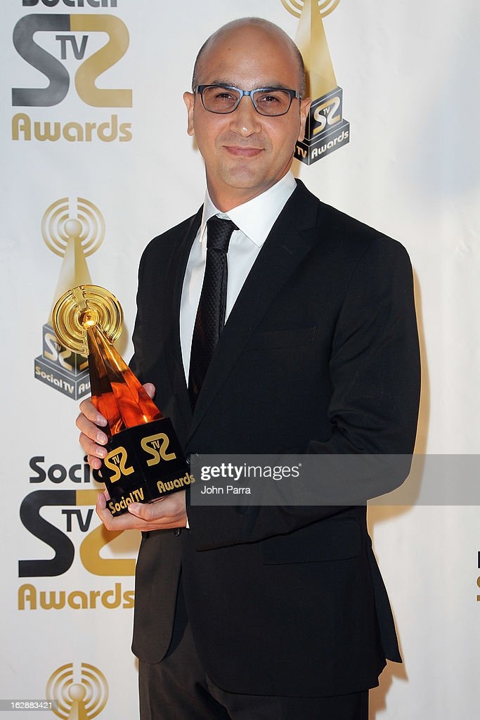 Eduardo Sunol poses with an award at the 2013 Latin Social TV Awards at Fontainebleau Miami Beach on February 28, 2013 in Miami Beach, Florida.