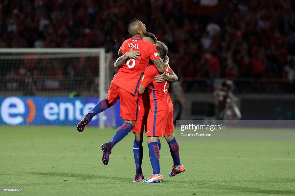 Eduardo Vargas of Chile (C) celebrates with teammates after scoring during a match between Chile and Uruguay as part of FIFA 2018 World Cup Qualifiers at Nacional Julio Martinez Pradanos Stadium on November 15, 2016 in Santiago, Chile.