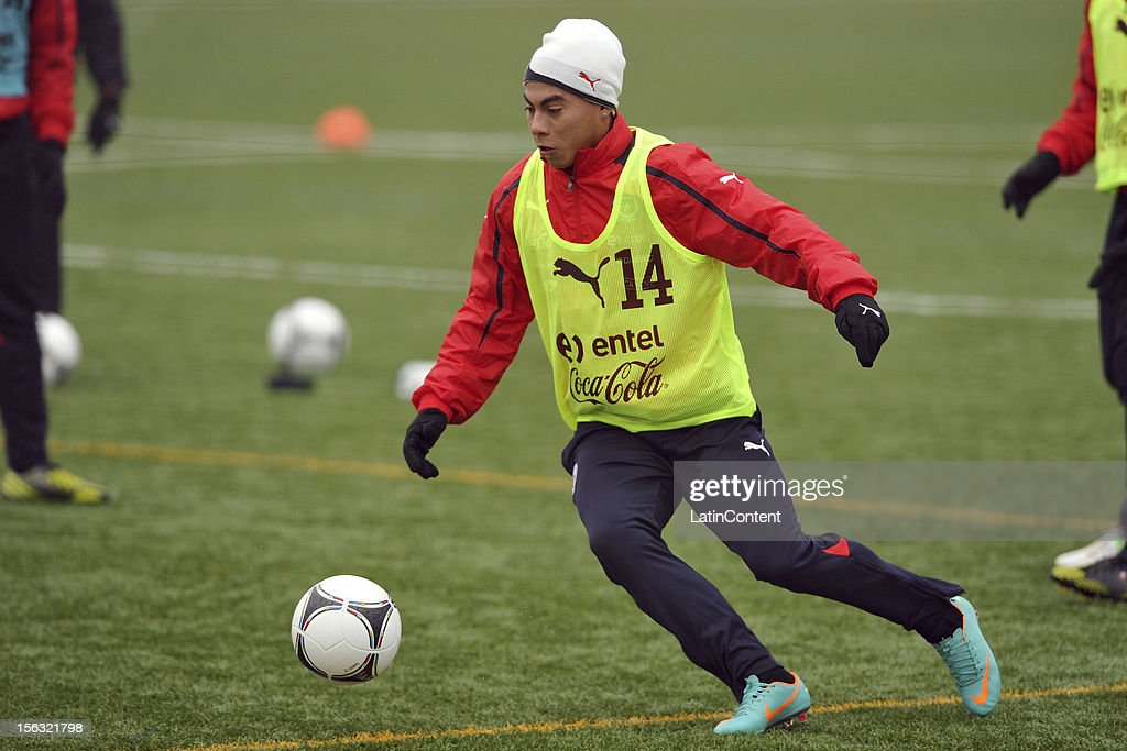 Eduardo Vargas of Chile during a training session at Spiserwies stadium November 13, 2012 in Sait Gallen, Switzerland. Chile will play a friendly match against Serbia on November 14th.