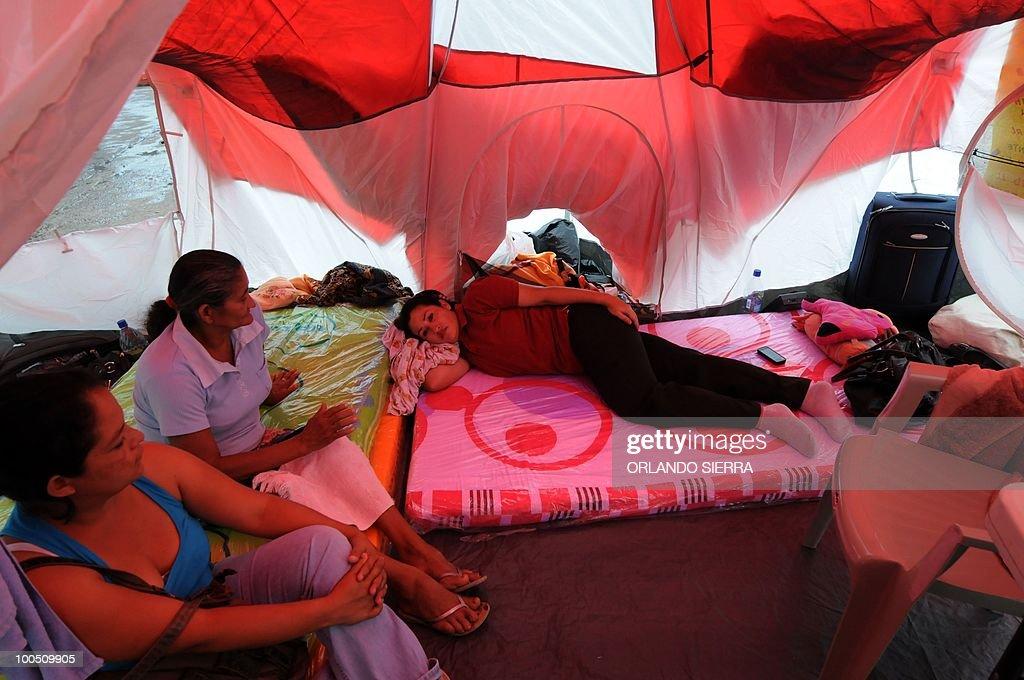 Education departmental directors go on hunger strike in Tegucigalpa May 25, 2010. AFP PHOTO/Orlando SIERRA.