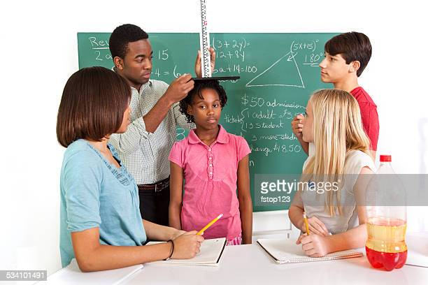 教育: 多民族の 10 代の計算は、学生や教師。スクール形式、スクール形式。