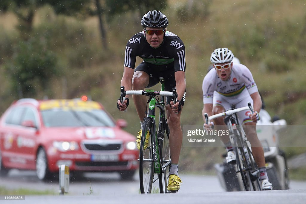 <a gi-track='captionPersonalityLinkClicked' href=/galleries/search?phrase=Edvald+Boasson+Hagen&family=editorial&specificpeople=4451245 ng-click='$event.stopPropagation()'>Edvald Boasson Hagen</a> of Norway and Sky Procycling team (L) is tracked by <a gi-track='captionPersonalityLinkClicked' href=/galleries/search?phrase=Thor+Hushovd&family=editorial&specificpeople=534471 ng-click='$event.stopPropagation()'>Thor Hushovd</a> of Norway and Team Garmin-Cervelo as they descend from Col du Mense during Stage 16 of the 2011 Tour de France from Saint Paul Trois Chateaux to Gap on July 19, 2011 in Gap, France.