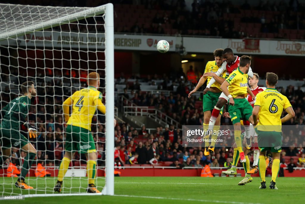 Edward Nketiah of Arsenal scores the second Arsenal goal during the Carabao Cup Fourth Round match between Arsenal and Norwich City at Emirates Stadium on October 24, 2017 in London, England.