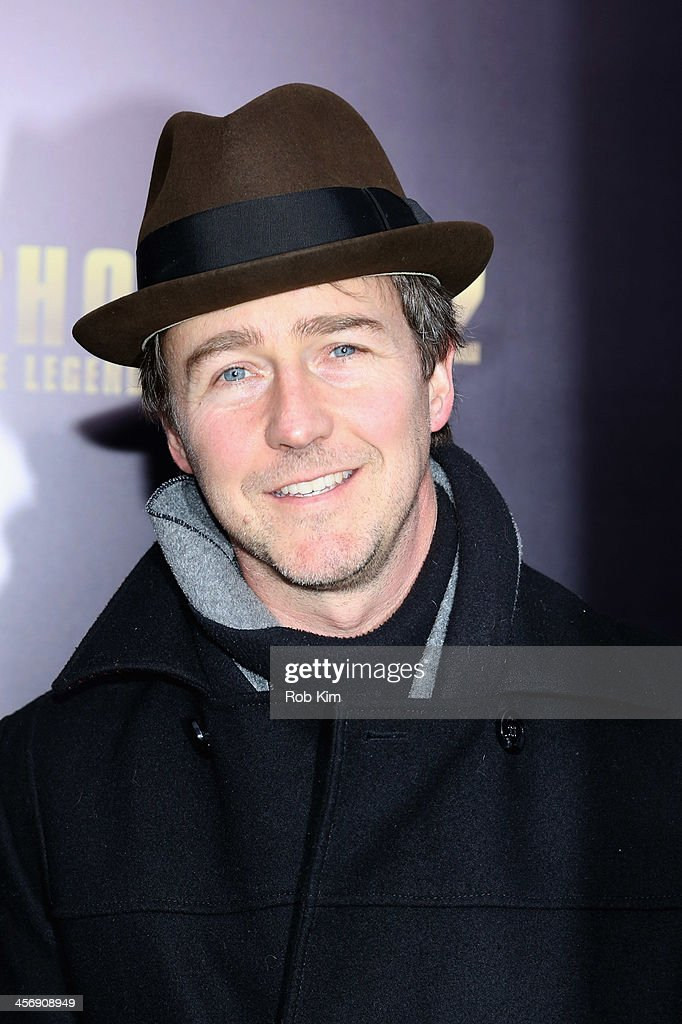 <a gi-track='captionPersonalityLinkClicked' href=/galleries/search?phrase=Edward+Norton&family=editorial&specificpeople=210580 ng-click='$event.stopPropagation()'>Edward Norton</a> attends the 'Anchorman 2: The Legend Continues' U.S. premiere at Beacon Theatre on December 15, 2013 in New York City.