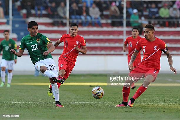 Edward Zenteno of Bolivia kicks the ball during a match between Bolivia and Peru as part of FIFA 2018 World Cup Qualifiers at Olimpico Hernando Siles...