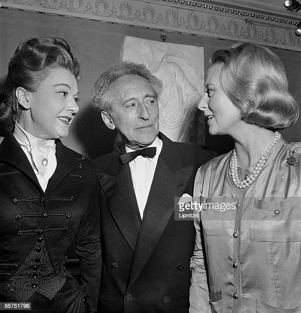 Edwige Feuillere Jean Cocteau Michele Morgan at the close of a show of ' the Eagle in two heads ' Theater Sarah Bernhardt Paris September 1960...