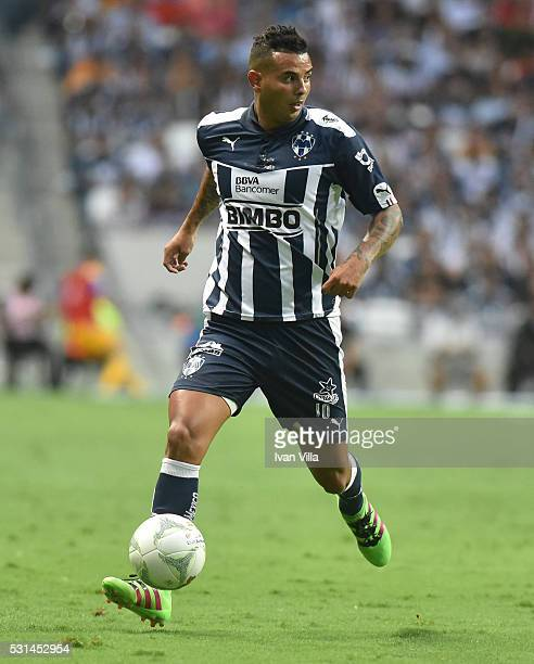Edwin Cardona of Monterrey drives the ball during the quarter finals second leg match between Monterrey and Tigres UANL as part of the Clausura 2016...