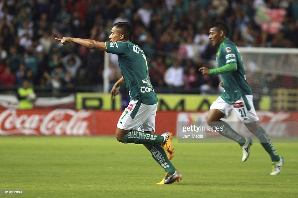 Edwin Herandez of Leon celebrates score a goal against San Luis during the Clausura 2013 Liga MX at Nou Camp Stadium on february 15 2013 in Leon...