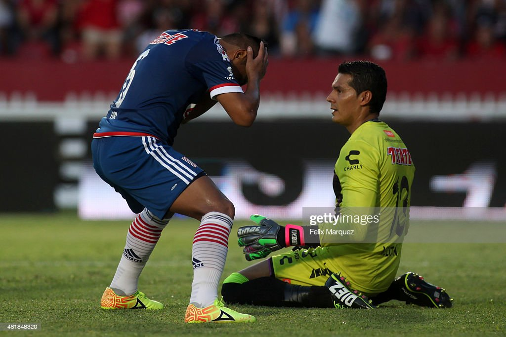 Edwin Hernandez of Chivas reacts after missing a chance during a 1st round match between Veracruz and Chivas as part of the Apertura 2015 Liga MX at Luis 'Pirata' Fuente Stadium on July 24, 2015 in Veracruz, Mexico.