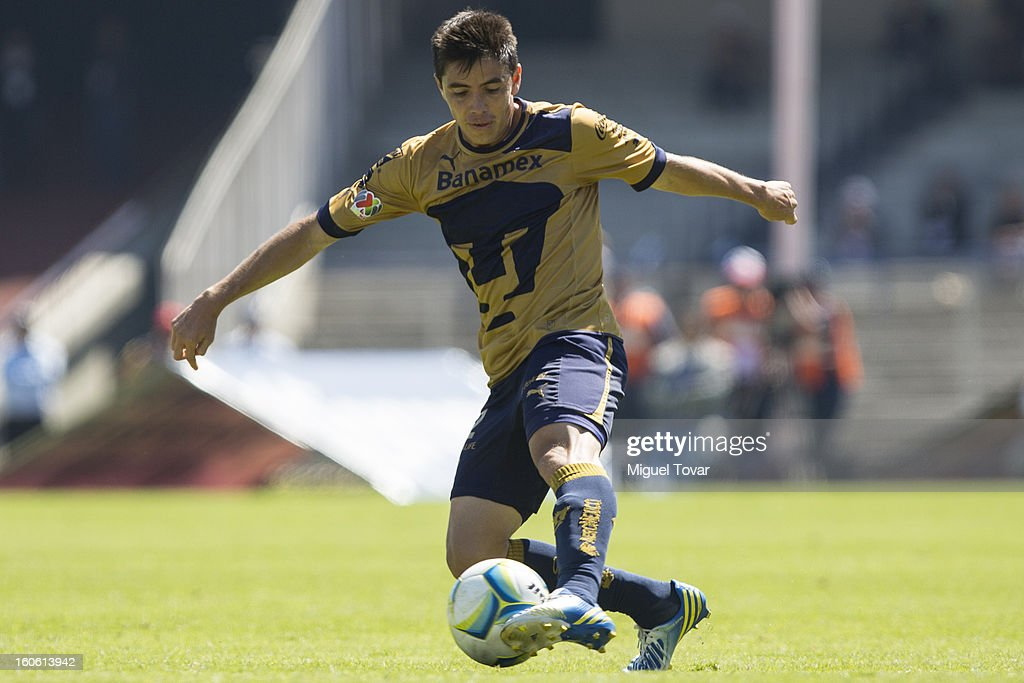 Efrain Velarde of Pumas in action during a match between Pumas and Santos as part of the Clausura 2013 at Olímpico Stadium on February 03, 2013 in Mexico City, Mexico.