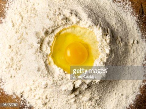 Egg in Flour : Foto stock