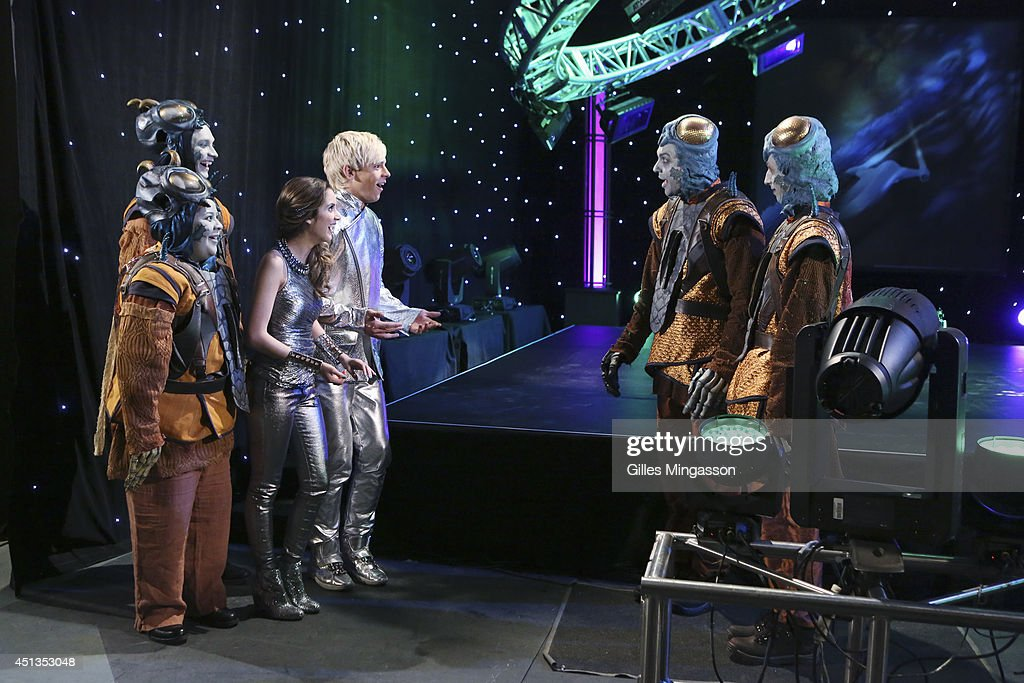 AUSTIN & ALLY - 'Eggs & Extraterrestrials' - When Dez, Trish and Austin convince Ally to attend the annual Zaliens Convention that's being held in Miami, Trish and Dez happen to stumble upon real Zaliens and the foursome must devise a plan to survive, in a new episode of 'Austin & Ally' premiering Sunday, July 27 (9:00 PM - 9:30 PM, ET/PT) on Disney Channel.