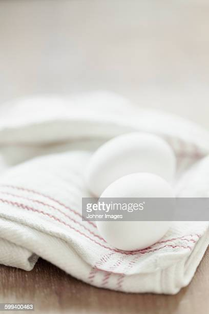 Eggs on kitchen towel
