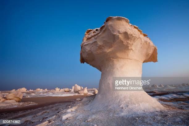Egypt, Libyan Desert, Formations in White Desert National Park