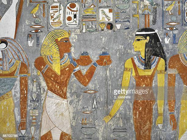 Tomb of horemheb fotograf as e im genes de stock getty for Egypt mural painting