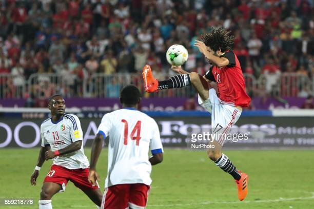 Egyptian midfielder Mohamed Elneny controls the ball during the World Cup 2018 Africa qualifying match between Egypt and Congo at the Borg elArab...