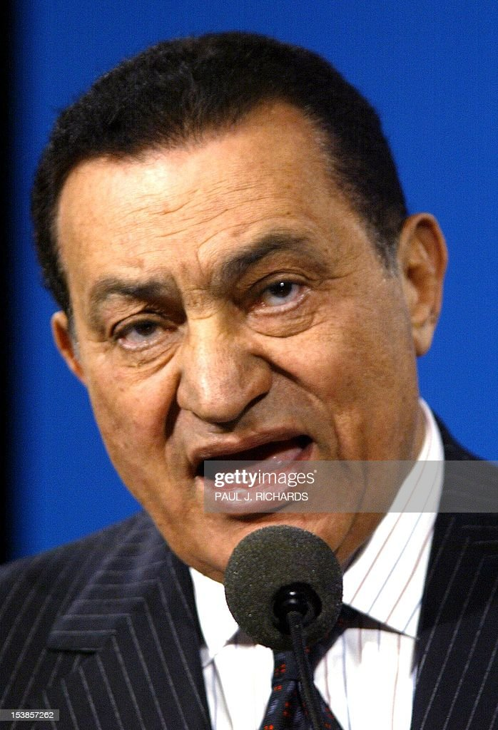 Egyptian President <a gi-track='captionPersonalityLinkClicked' href=/galleries/search?phrase=Hosni+Mubarak&family=editorial&specificpeople=201752 ng-click='$event.stopPropagation()'>Hosni Mubarak</a> delivers a luncheon speech to the general meeting of the Council on Foreign Relations 05 March 2002 at the Ritz-Carlton Hotel in Washington, DC. Mubarak is offering anew his good offices in a bid to achieve an improbable rapprochement between Israeli Prime Minister Ariel Sharon and Palestinian leader Yasser Arafat to stop the violence in Israel and the Palestinian territories. AFP PHOTO/ Paul J. Richards