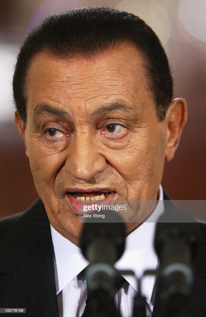 Egyptian President <a gi-track='captionPersonalityLinkClicked' href=/galleries/search?phrase=Hosni+Mubarak&family=editorial&specificpeople=201752 ng-click='$event.stopPropagation()'>Hosni Mubarak</a> speaks during an East Room statement at the White House on the first day of the Middle East peace talks September 1, 2010 in Washington, DC. The White House has kicked off a new round of direct peace talks for the Middle East, the first one in more than 18 months.