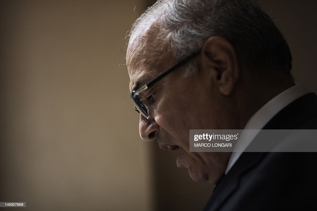 Egyptian presidential candidate and former prime minister Ahmed Shafiq holds a press conference in Cairo on May 26, 2012. Shafiq, ousted leader Hosni Mubarak's ex-premier who is set to face a Muslim Brotherhood candidate in a presidential run-off, pledged to restore the country's revolution.