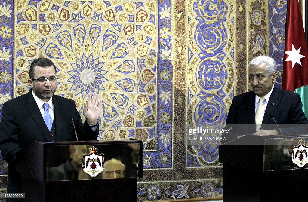 Egyptian Prime Minister Hisham Qandil (L) speaks during a joint news conference with his Jordanian counterpart Abdullah Nsur in the Jordanian capital Amman on December 20, 2012. Jordan said Egypt has resumed full gas supply of 250 million cubic metres (8.8 billion cubic feet) a day to the energy-poor kingdom, after the flow was disrupted by repeated pipeline attacks.