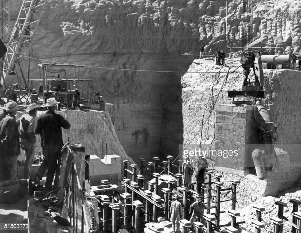 Egyptian workers are moving Queen Nefertari's bust to the new site of the twin temples of Abu Simbel 26 January 1966 The Abu Simbel temples are being...