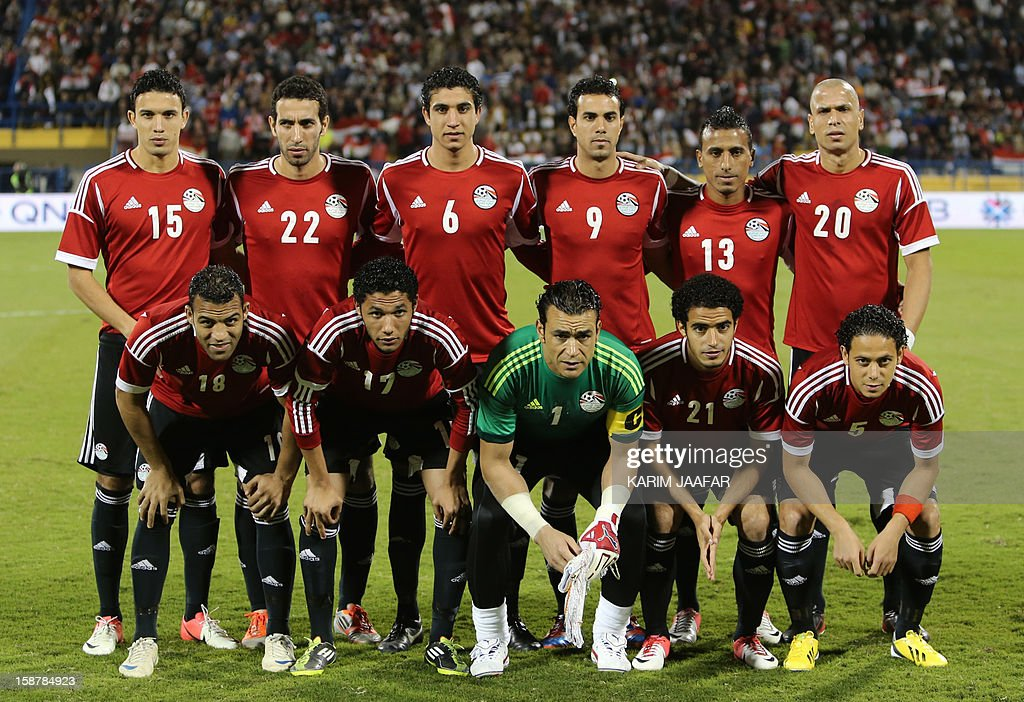 Egypt's national football team poses before their friendly football match against Qatar in the Qatari capital Doha on December 28, 2012. Egypt won 2-0.