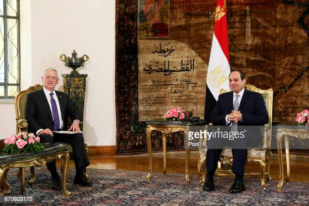 Egypt's President Abdel Fattah alSisi welcomes US Defense Secretary James Mattis at the Ittihadiya presidential palace on April 20 2017 in Cairo Egypt