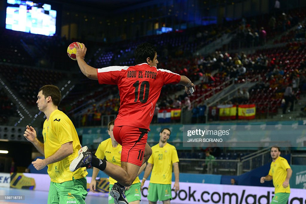 Egypt's right back Abou Elfetouh Ahmed (C) shoots during the 23rd Men's Handball World Championships preliminary round Group D match Egypt vs Australia at the Caja Magica in Madrid on January 19, 2013.