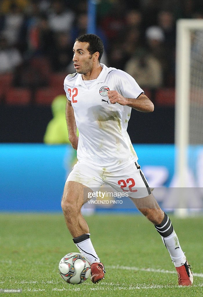 Egytpian forward Mohamed Aboutrika in action during the Fifa Confederations Cup football match Egypt vs Italy on June 18 2009 at the Ellis Park...