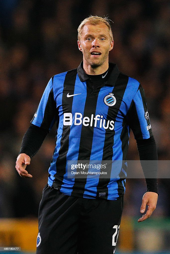 <a gi-track='captionPersonalityLinkClicked' href=/galleries/search?phrase=Eidur+Gudjohnsen&family=editorial&specificpeople=171363 ng-click='$event.stopPropagation()'>Eidur Gudjohnsen</a> of Club Brugge speaks to a team mate during the Jupiler League match between Club Brugge v Racing Genk at the Jan Breydel Stadium on April 16, 2014 in Brugge, Belgium.