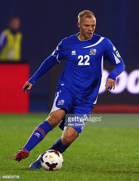 Eidur Gudjohnsen of Iceland controles the ball during the FIFA 2014 World Cup Qualifier playoff second leg match between Croatia and Iceland at...