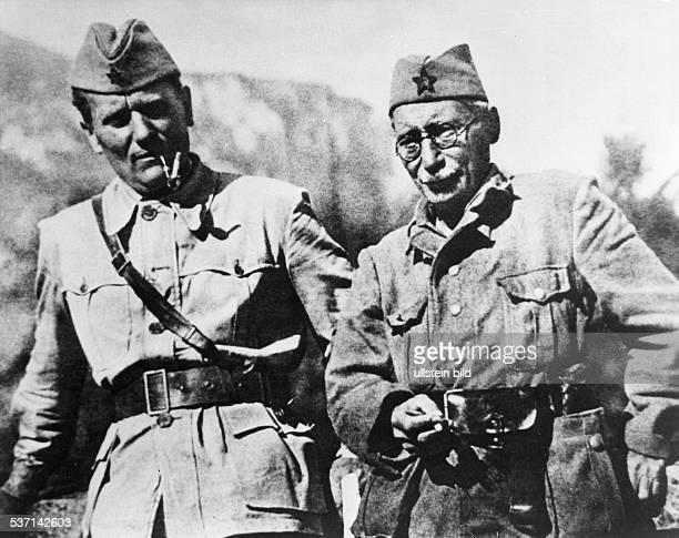 eigentlich Josip Broz * 07051892 Politiker Kommunist YU Tito und Mosa Pijade in den Jahren des Kampfes gegen die nationalsozialistischen und...