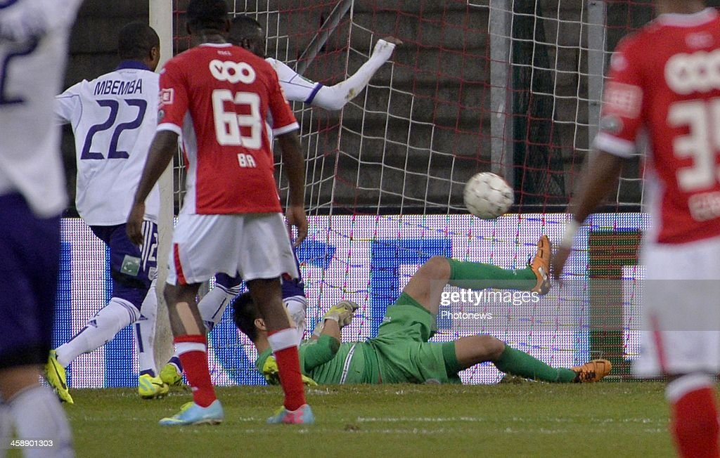 Eiji Kawashima goalkeeper of Standard Liege during the Jupiler League match between Standard Liege and RSC Anderlecht on December 22, 2013 in Liege, Belgium.