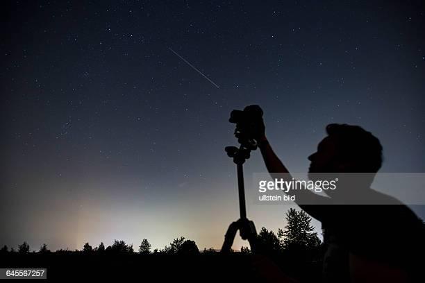 Ein imposanter Sternschnuppenregen kann von der Halde Lydia aus beobachtet werden Die Perseiden ziehen insbesondere die Fotografen in ihren Bann Wie...