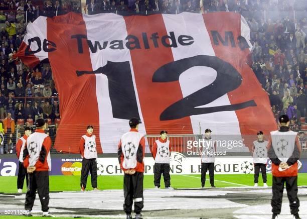 LEAGUE 02/03 Eindhoven PSV EINDHOVEN ARSENAL LONDON 04 FANS PSV EINDHOVEN