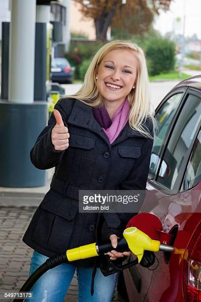 Vom Liter des Erdöles das Benzin