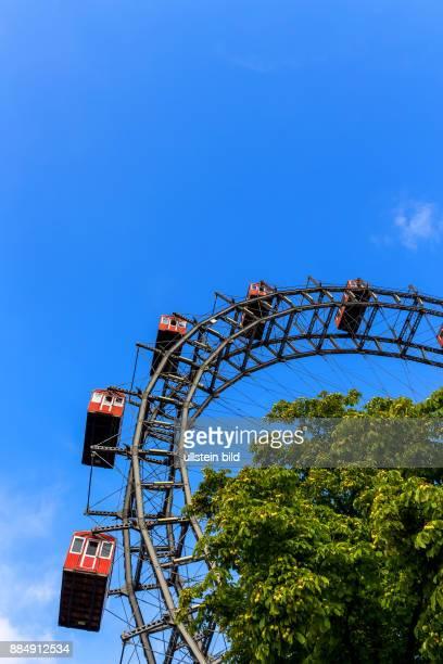 Eines der Wahrzeichen von Wien in Österreich ist das Riesenrad im Prater
