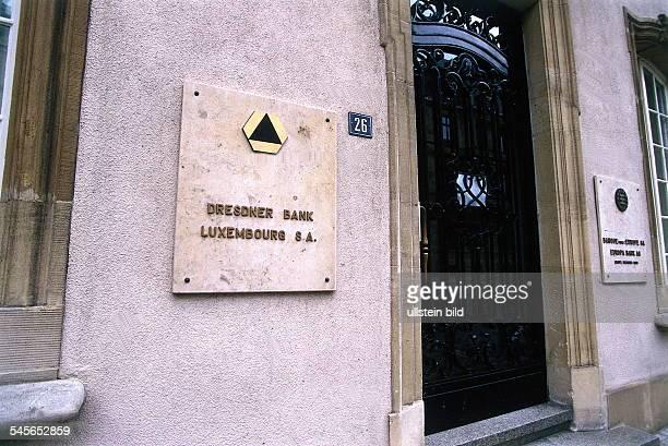 Eingang und Logo der Dresdner Bank inLuxemburg 1996