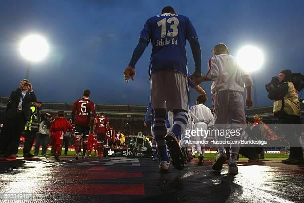Einlauf der Spieler zum Bundesliga Spiel zwischen 1 FC Nuernberg und FC Schalke 04 im Easy Credit Stadion am April 11 2012 in Nuernberg Deutschland