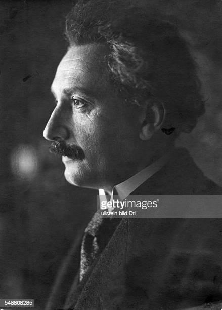 Einstein Albert Physicist Germany/USA *14031879 Portrait sideface around 1922 Photographer Martin Hoehlig Vintage property of ullstein bild