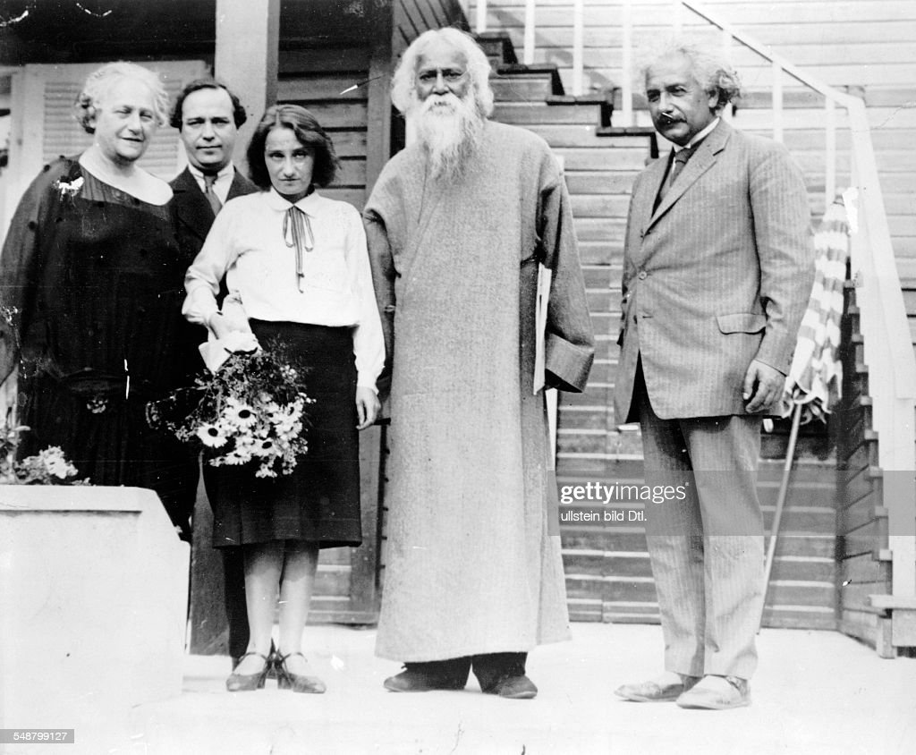 Einstein, Albert - physicist, Germany/USA *14.03.1879-+ - the Indian author and philosopher <a gi-track='captionPersonalityLinkClicked' href=/galleries/search?phrase=Rabindranath+Tagore&family=editorial&specificpeople=644181 ng-click='$event.stopPropagation()'>Rabindranath Tagore</a> (center) visiting Einstein (right) in Caputh, on the left: the wife of Einstein Elsa and his daughter Margot - - Published by: 'B.Z.' Vintage property of ullstein bild