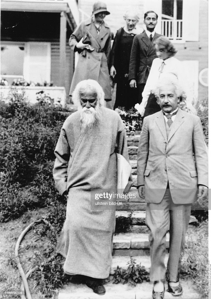 Einstein, Albert - physicist, Germany/USA *14.03.1879-+ - the Indian author and philosopher <a gi-track='captionPersonalityLinkClicked' href=/galleries/search?phrase=Rabindranath+Tagore&family=editorial&specificpeople=644181 ng-click='$event.stopPropagation()'>Rabindranath Tagore</a> (center) visiting Einstein (right) in Caputh - - Published by: 'Berliner Illustrirte Zeitung' 30/1930 Vintage property of ullstein bild