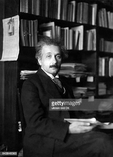 Einstein Albert physicist Germany/USA*14031879Nobel laureate Portrait in the workroom ca 1930 Photographer Walter GirckeVintage property of ullstein...