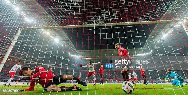 Eintracht Frankfurt's Eintracht Frankfurt's Spanish defender Jesus Vallejo Spanish midfielder Omar Mascarell and Austrian goalkeeper Heinz Lindner...