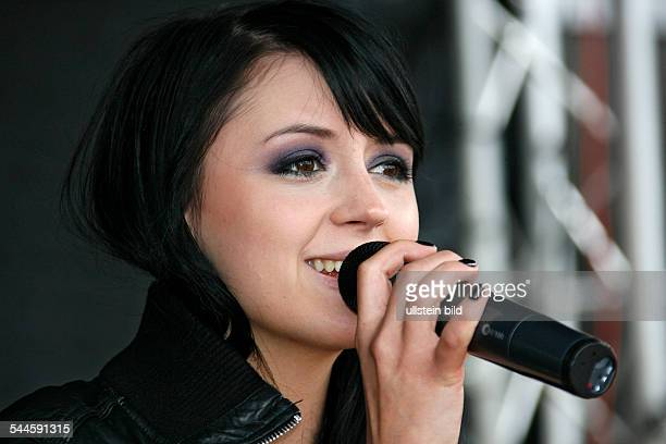 Eisblume Band Pop music Germany Singer Ria Schenk performing in Hameln Germany