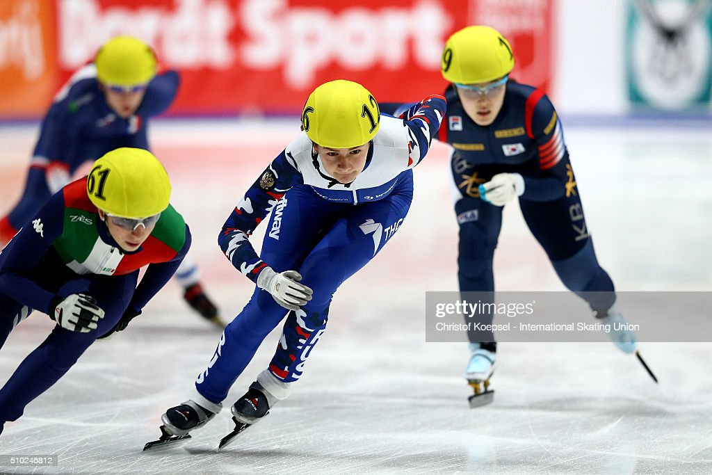 Ekaterina Efremenkova of Russis skates during the ladies 3000m relay final during Day 3 of ISU Short Track World Cup at Sportboulevard on February 14, 2016 in Dordrecht, Netherlands.