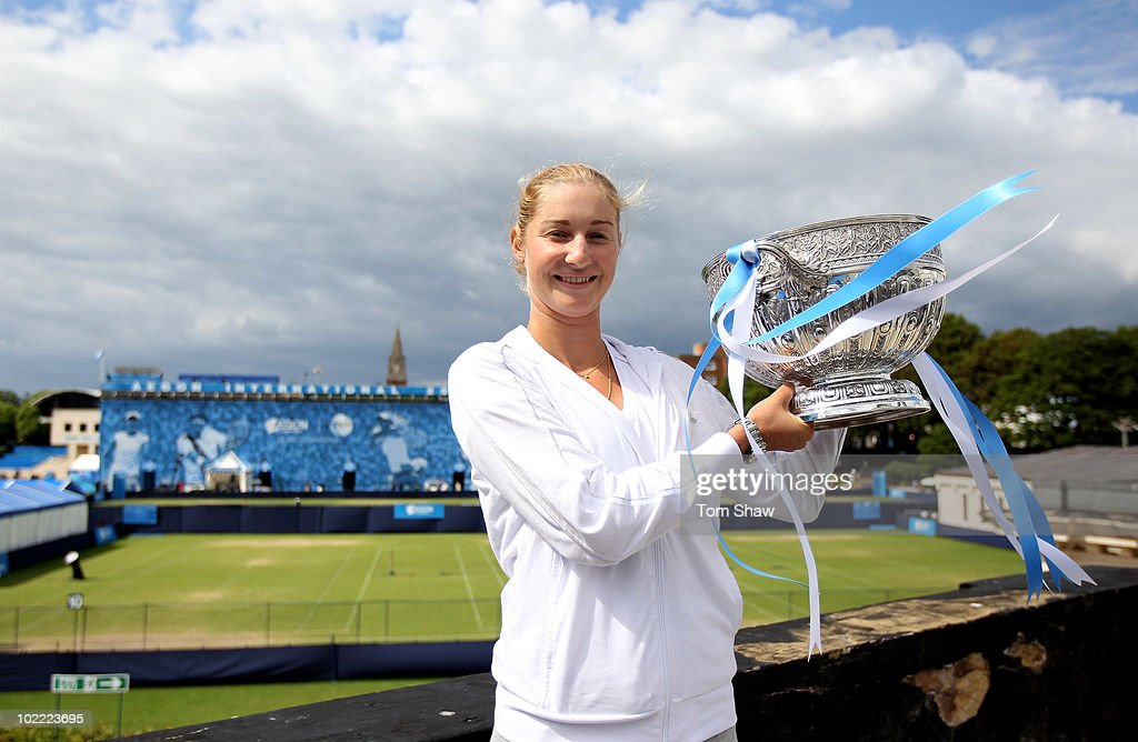 <a gi-track='captionPersonalityLinkClicked' href=/galleries/search?phrase=Ekaterina+Makarova&family=editorial&specificpeople=2364239 ng-click='$event.stopPropagation()'>Ekaterina Makarova</a> of Russia poses with the trophy after winning the womens final against Victoria Azarenka of Belarus during day six of the AEGON International at Devonshire Gardens on June 19, 2010 in Eastbourne, England.