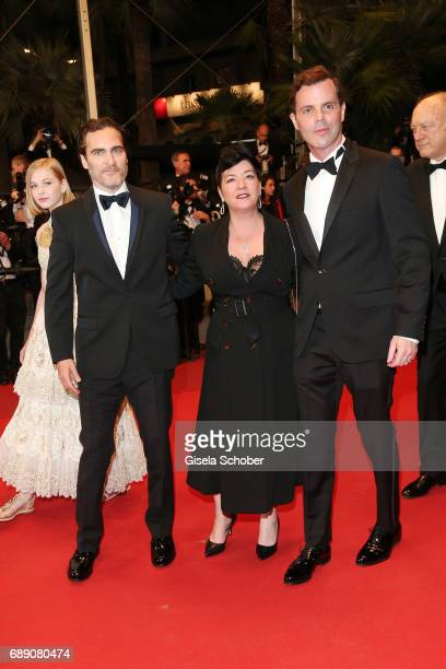 Ekaterina Samsonov Joaquin Phoenix director Lynne Ramsay Alex Manette and John Doman attend the 'You Were Never Really Here' screening during the...